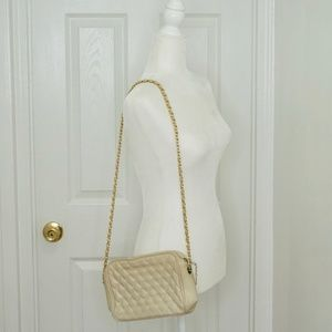 VINTAGE Cream/White & Gold Quilted Shoulder Bag!